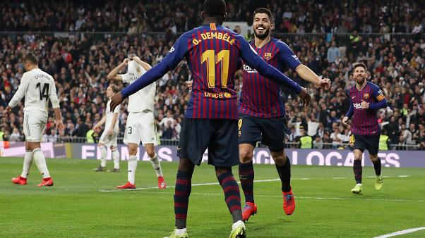 Suarez celebra golo com Dembele