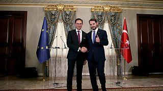 AB Komisyonu Başkan Yardımcısı Katainen: Türkiye ile müzakereler bitmedi yalnızca durdu