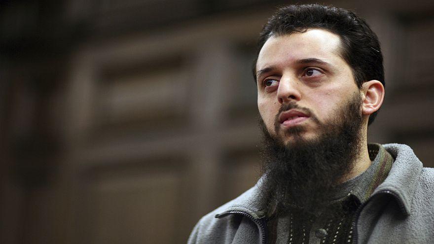 ألمانيا تحققُ في حصولِ شاب مغربي مدان بالإرهاب على أموال قبل ترحيله إلى وطنه