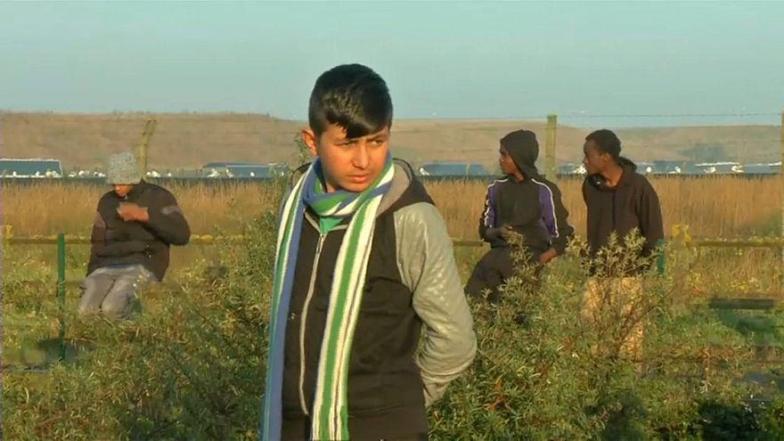 """Calais: França condenada por """"tratamento degradante"""" a menor afegão"""