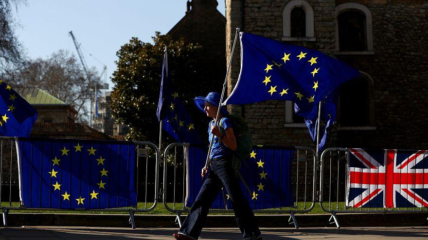 Brexit - Tíz éve nem volt ilyen alacsony a nagy-britanniai EU-s bevándorlás