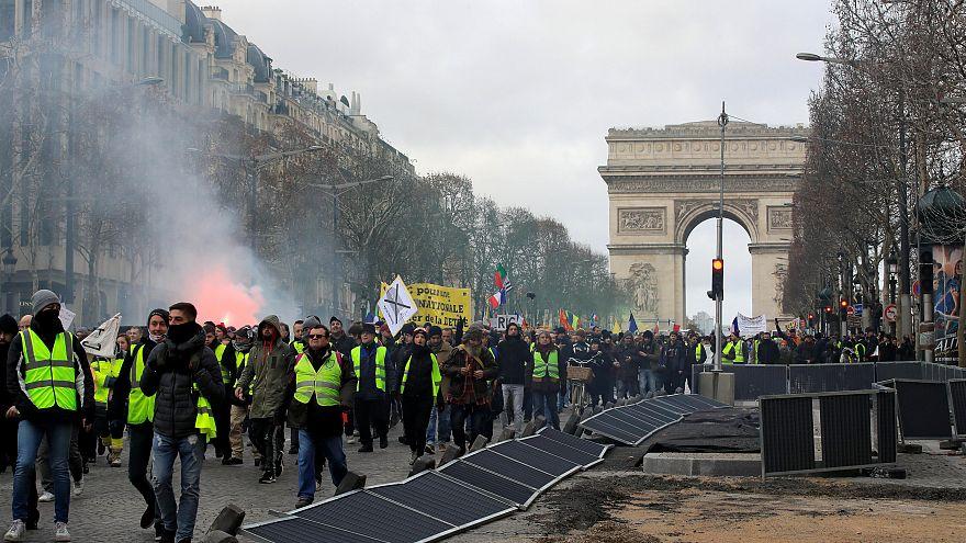 - 0,2 %: Gelbwesten behindern Frankreichs Wirtschaft
