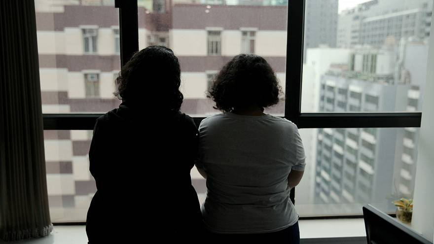 Aile içi şiddetten kaçan Suudi kardeşlerin Hong Kong'da endişeli bekleyişi
