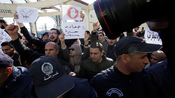 Journalisten bei Anti-Zensur-Demo festgenommen