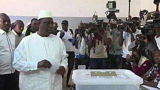 Senegal'de cumhurbaşkanlığı seçimlerini oyların yüzde 58,27'sini alan Macky Sall kazandı