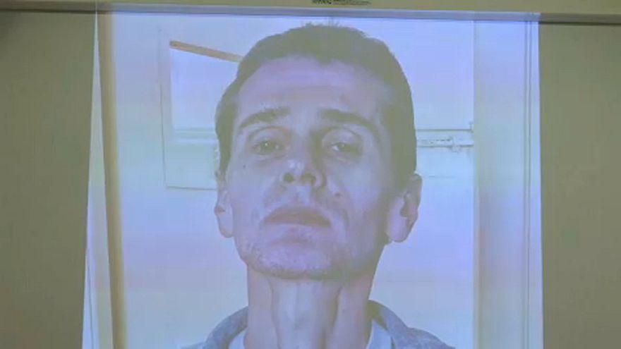 Σοκάρουν οι εικόνες του Αλεξάντερ Βίνικ μέσα από τη φυλακή