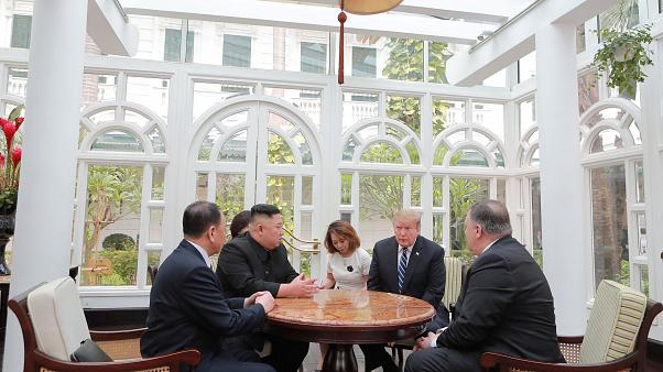 Widersprüchliche Schuldzuweisungen nach gescheitertem Gipfel von Trump und Kim