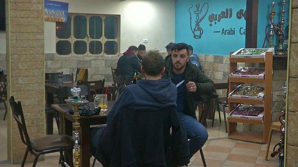 من داخل مقهى بفلسطين