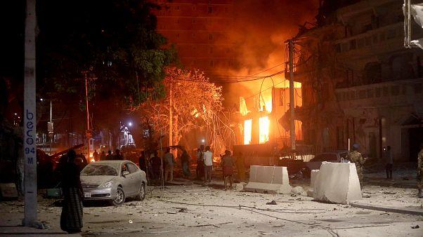 Al Shabaab ataca hotel no centro de Mogadíscio
