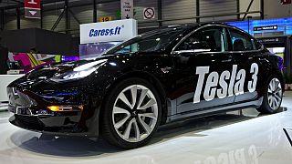 Tesla araçlar şehir içi trafik dahil tam otonom sürüşe 2019'da geçiyor