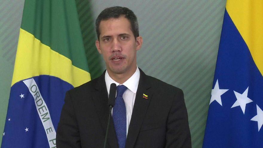 Le président auto-proclamé du Venezuela Juan Guaido compte rentrer dans son pays