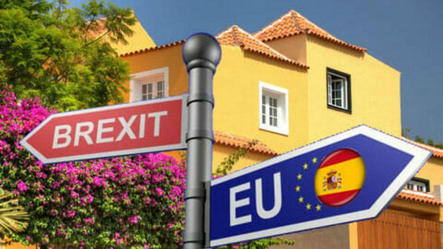 İspanya sert Brexit durumunda ülkedeki 400 bin İngiliz'e oturum hakkı verecek
