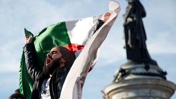 Алжирцы Европы против Бутефлики