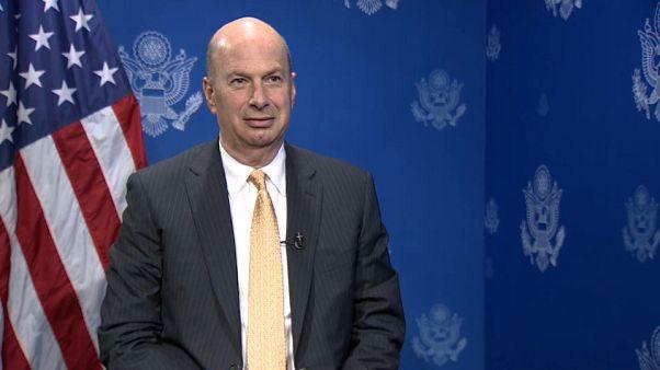 """Sondland: """"Não estamos preocupados com as ameaças russas"""""""