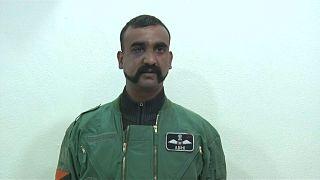 الطيار الهندي الذي أطلقت باكستان سراحه