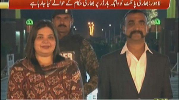 Pakistán libera al piloto indio derribado