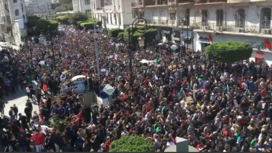 Aumenta la tensión en las calles de Argel ante un posible quinto mandato de Buteflika