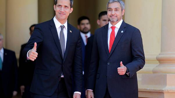 Juan Guaidó con el presidente de Paraguay, Mario Abdo Benítez