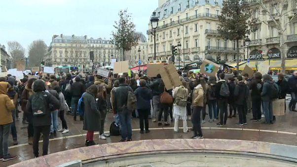 Gretas Garde: Schüler ziehen durch Paris