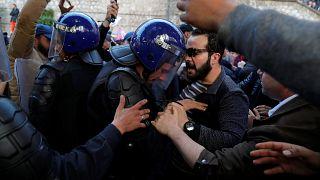 Протесты в Алжире против выдвижения Бутефлики на новый срок