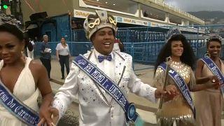 A Rio de Janeiro è l'ora del carnevale