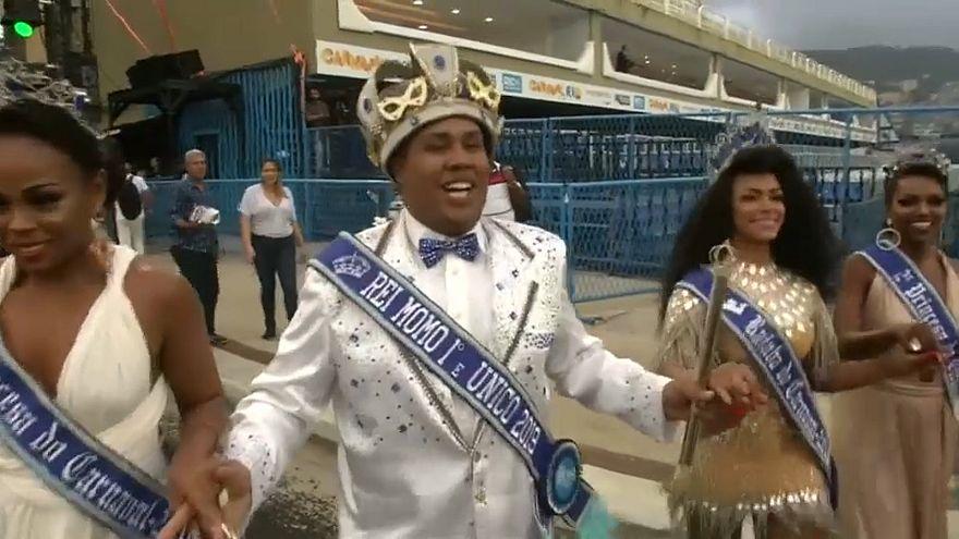 Ohne Bürgermeister: Karnevalsauftakt in Rio