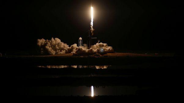 اسپیسایکس کپسول دراگون را با موفقیت به فضا پرتاب کرد