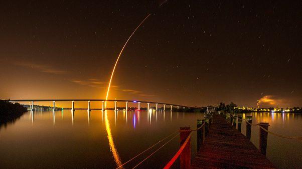 Space X lança cápsula capaz de transportar humanos