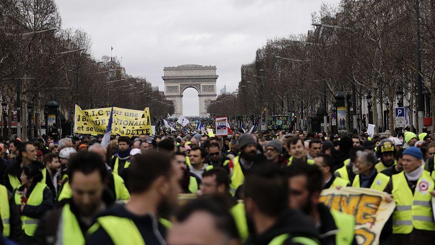 جانب من المظاهرات بالعاصمة باريس