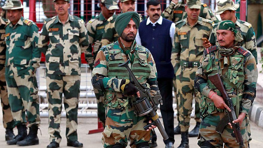 صورة لجنود هنود