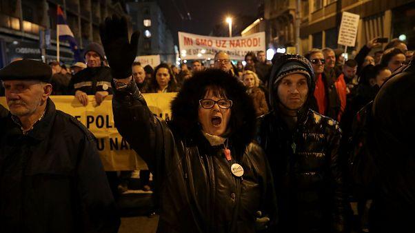 Les Serbes dénoncent les mensonges de leur président
