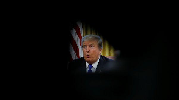 التحقيق بشأن ترامب وروسيا... ما هو التواطؤ الذي يعاقب عليه القانون؟