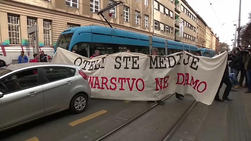 Croatas protestam contra censura