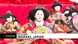 Japon : des pyramides de poupées pour le Festival Hina