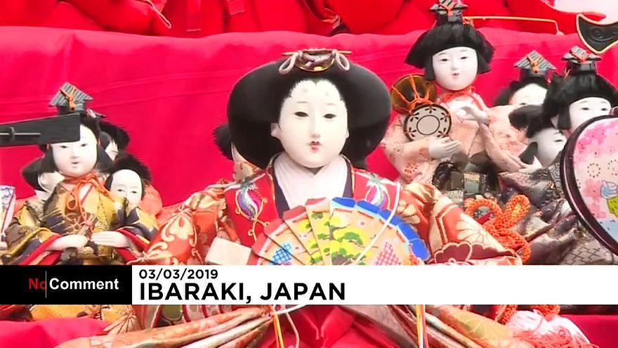 Shrine displays 1,000 colourful dolls to mark Japan's girls' festival
