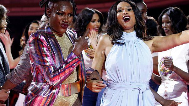 A 70 ans, Grace Jones secoue la Fashion Week