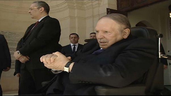 Algeria: Bouteflika si è candidato