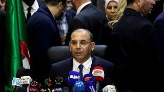 عبد الغني زعلان يتحدث بعد تقديمه لأوراق ترشح بوتفليقة