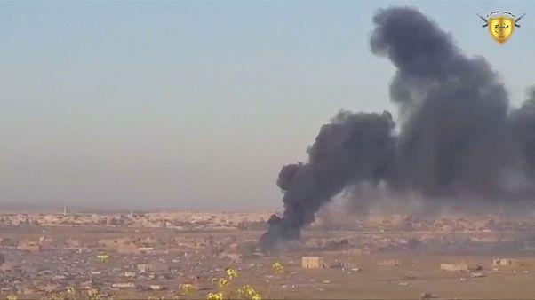 متشددون سوريون يهاجمون مواقع للجيش السوري الحر في حماة