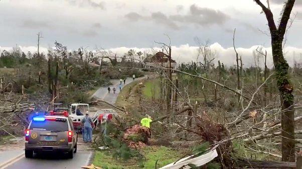 Des tornades s'acharnent sur l'Alabama et la Géorgie, lourd bilan humain