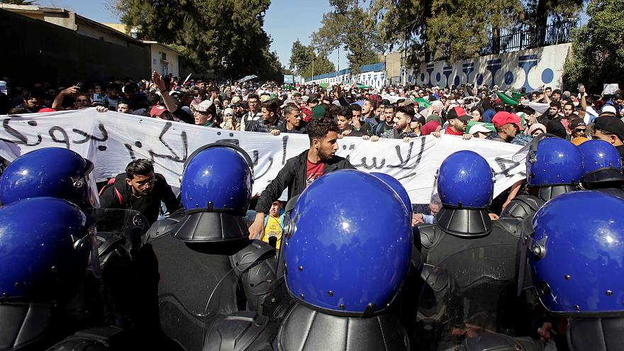 Bouteflika promet d'abréger son mandat s'il est réélu, le message ne passe pas