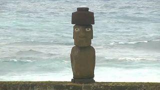 Leprásak a húsvét-szigeteki Moai szobrok
