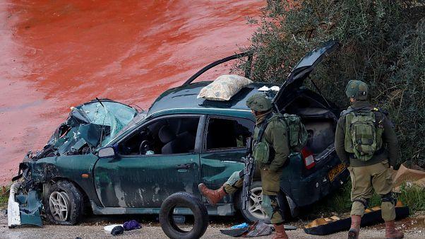 Três palestinianos atropelam soldados israelitas em ataque