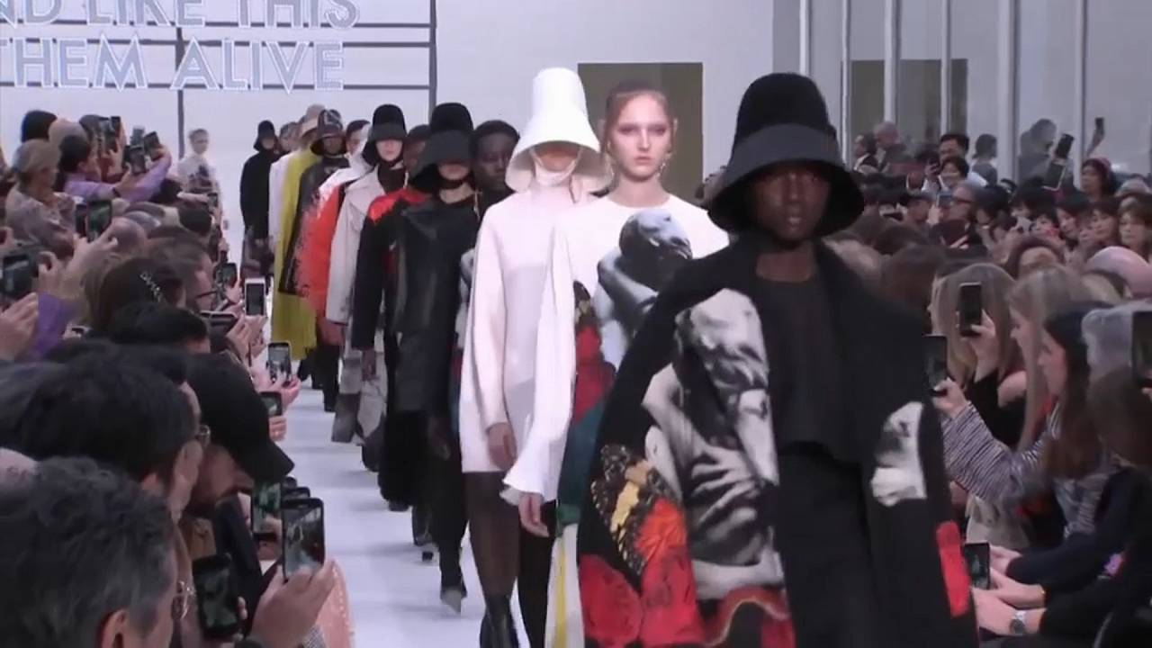 Fashion Week Paris: Punk, Pantoffeln und Perlenketten
