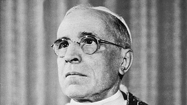 Portrait daté du 11 mars 1955 du pape Pie XII