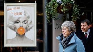 Affaire Skripal : Theresa May à Salisbury