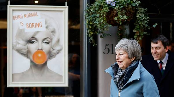 PM britânica em Salisbury um ano depois do ataque químico