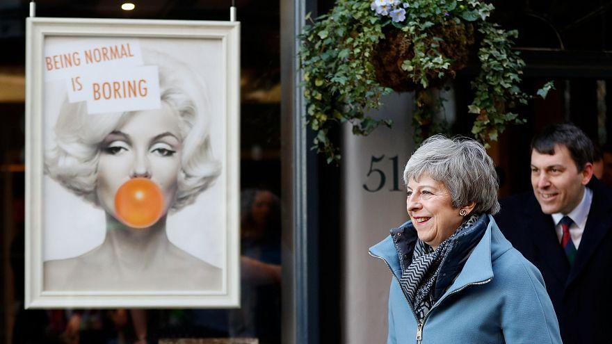 Affaire Skripal : Theresa May à Salisbury