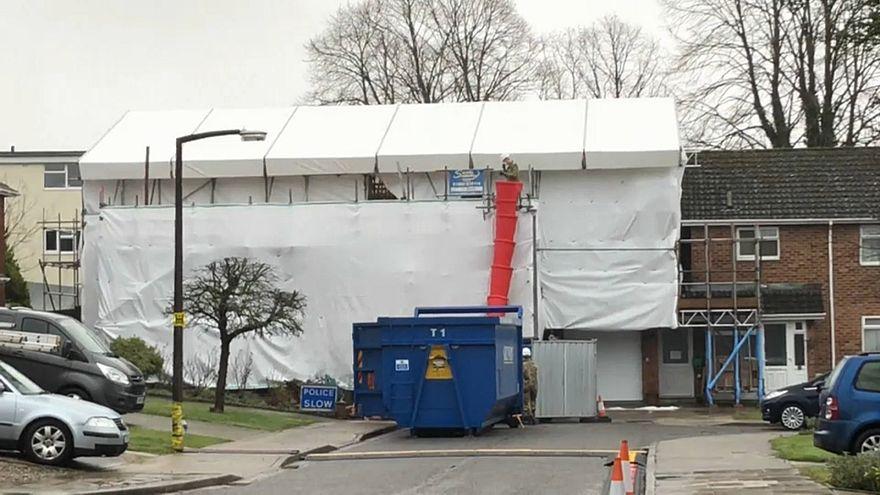 Бывший дом Скрипалей в процессе разбора крыши