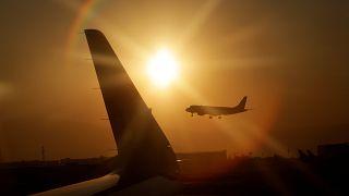 Addio all'ora legale: il settore dell'aviazione preoccupato